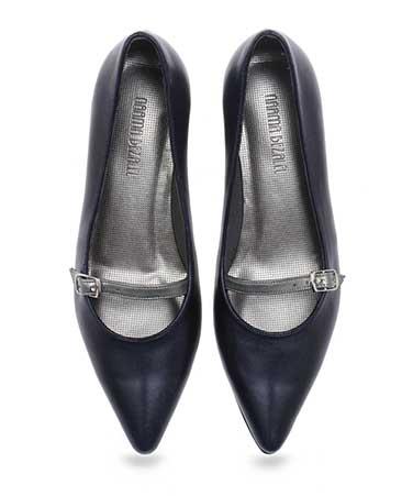 נעלי אריאל